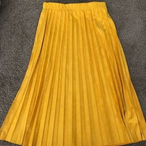 Zara suede pleated skirt